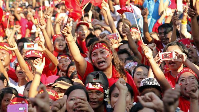 Oppositie Myanmar tijdens optocht aangevallen met steekwapens