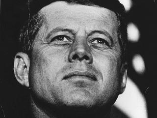 Bejaarde verzamelaar begon als tiener collectie na ontmoeting met JFK