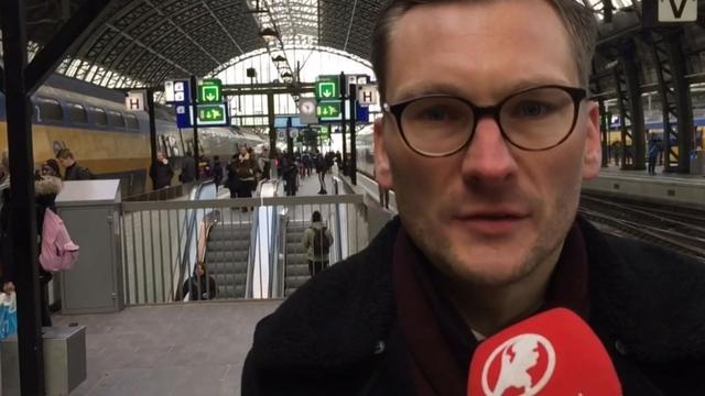Verstoring treinverkeer Amsterdam houdt hele dag aan