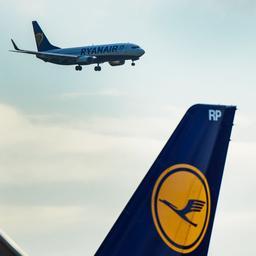 Prijsvechter Ryanair ziet winst met helft stijgen