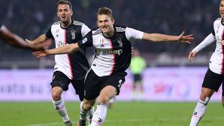 De Ligt helpt Juventus met eerste treffer aan zege op Torino