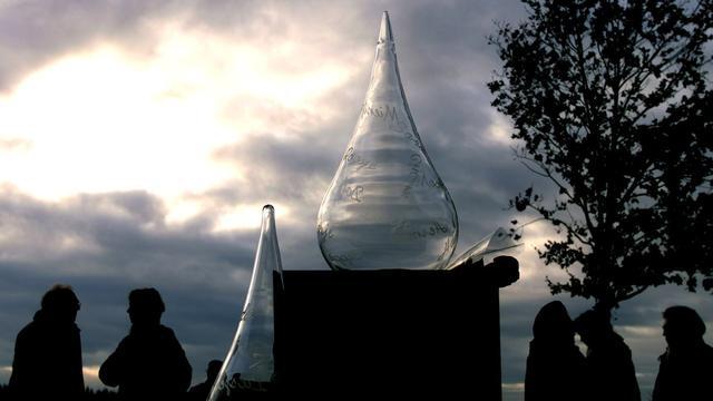 Kunstwerk vernield in tuin herinneringskamp Westerbork