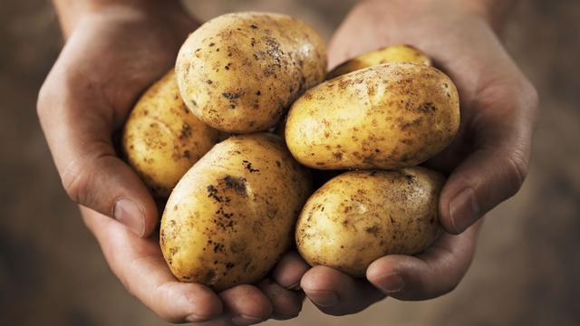 Keukentruc: houd je aardappelen langer vers