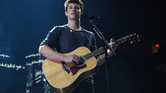 Shawn Mendes moest van vader eigen liedjes schrijven