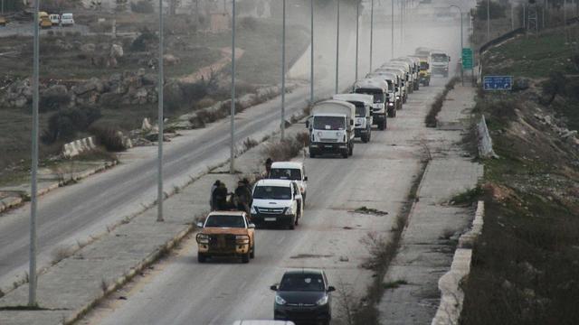 Honderd trucks met hulpgoederen op pad in Syrië