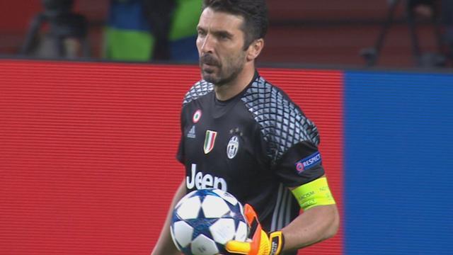 Ook Monaco-aanvaller Falcao stuit op Buffon