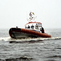 Man onderkoeld na omslaan hovercraft op Drontermeer