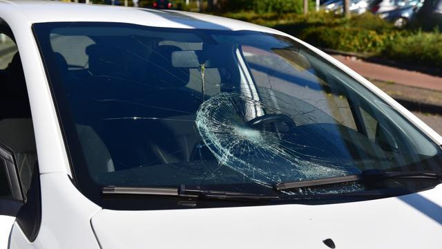 Meisje aangereden door auto
