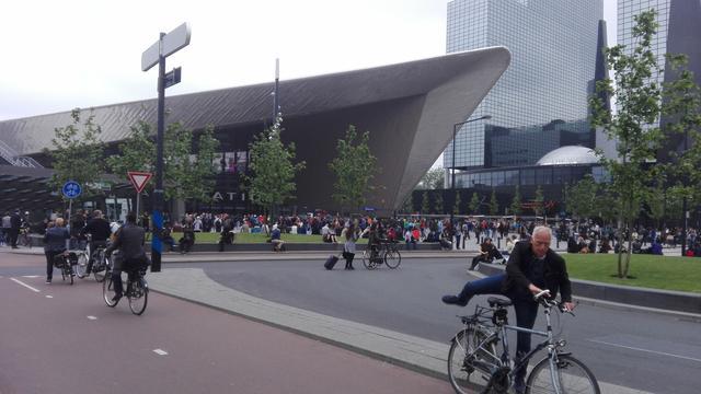 Rotterdam Centraal korte tijd ontruimd voor zoektocht naar verwarde man