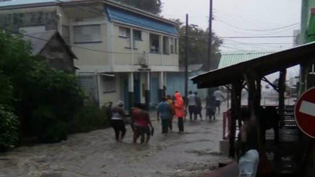 Orkaan Matthew zwelt aan tot storm van hoogste categorie