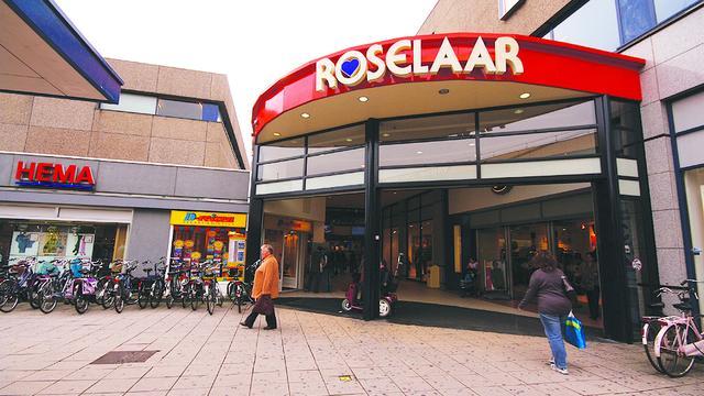 Jean-Marie Pfaff bezoekt winkelcentrum Roselaar