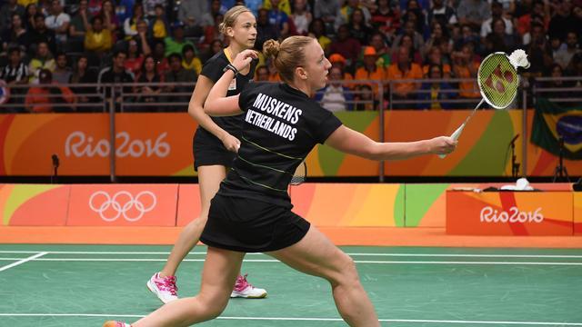 Badmintonsters Piek en Muskens tweede in poule na nederlaag