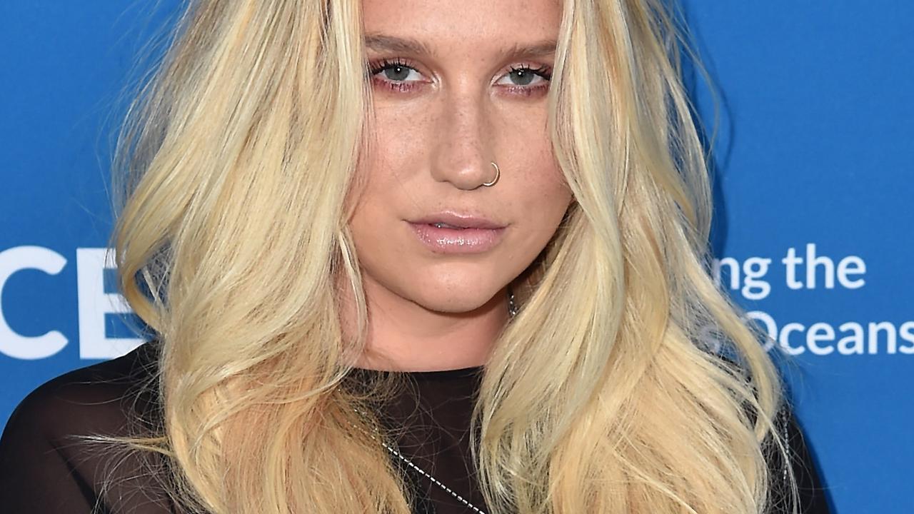 Kesha bedankt fans voor steun met lied