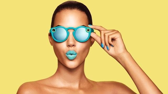 Snapchat start met verkoop van camerabril in Nederland