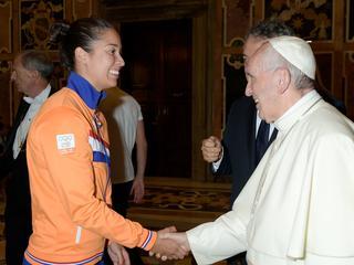 Nederlandse delegatie heeft 'bijzondere ervaring' in Vaticaanstad