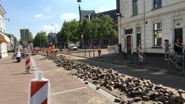 Aandacht voorwegdek fietsstraat Boschstraat