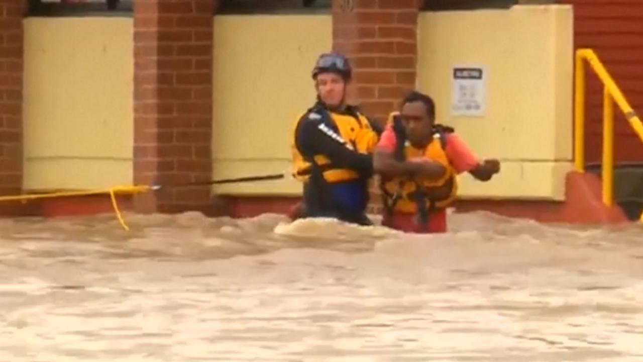 Overstromingen na cycloon Debbie leggen leven Queensland stil