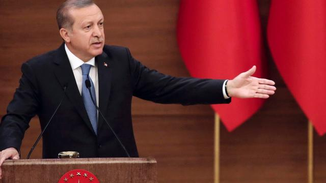 Erdogan zet afschaffing onschendbaarheid parlementsleden door