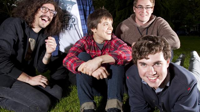 Surfer Blood-gitarist Thomas Fekete (27) overleden