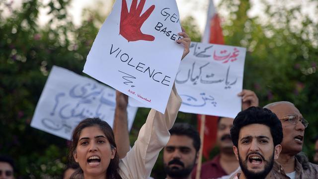 Pakistan neemt nieuwe wet tegen eerwraak aan
