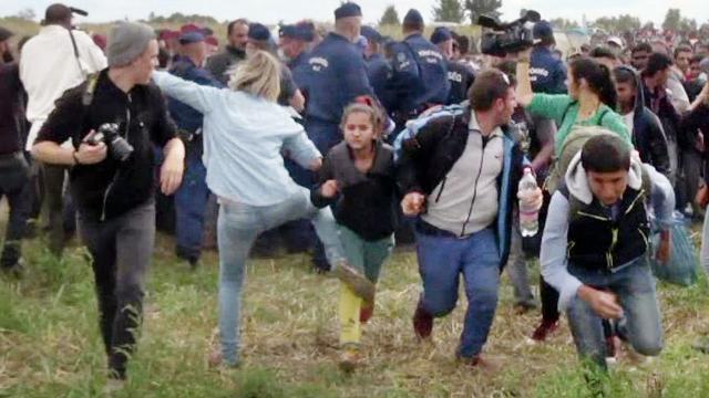 Hongaarse cameravrouw veroordeeld voor schoppen vluchtelingen