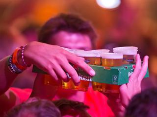 Actief carnavallen zorgt ervoor dat je minder denkt aan alcohol
