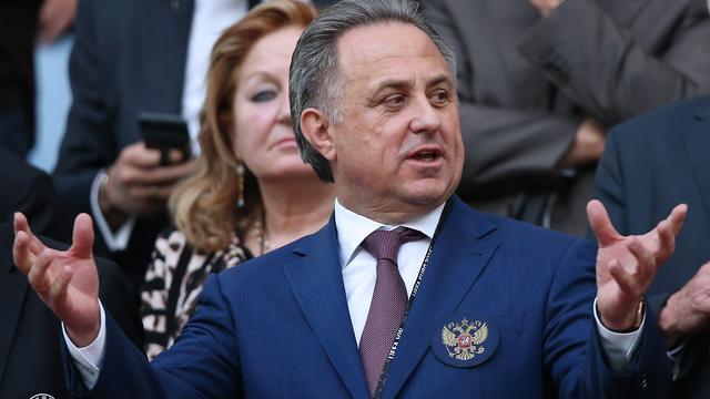 Omstreden Mutko blijft voorzitter voetbalbond Rusland