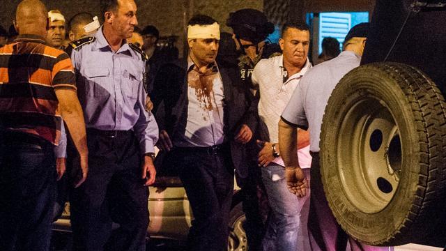Macedonische politici gewond bij bestorming parlement door betogers