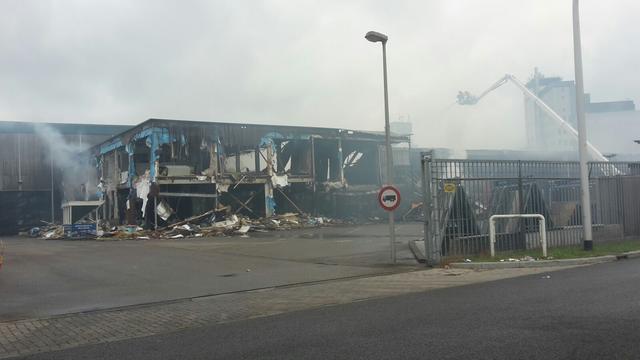 Grote brand bij bouwcentrum in Meppel