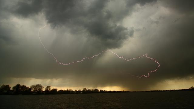 Stevige onweersbuien verwacht in Utrecht