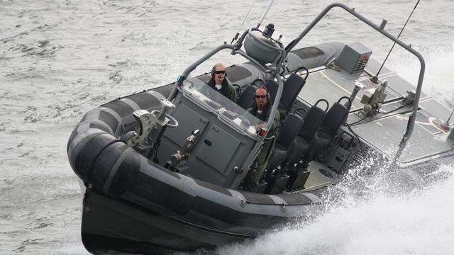 Mariniers oefenen in Vlissingen-Oost