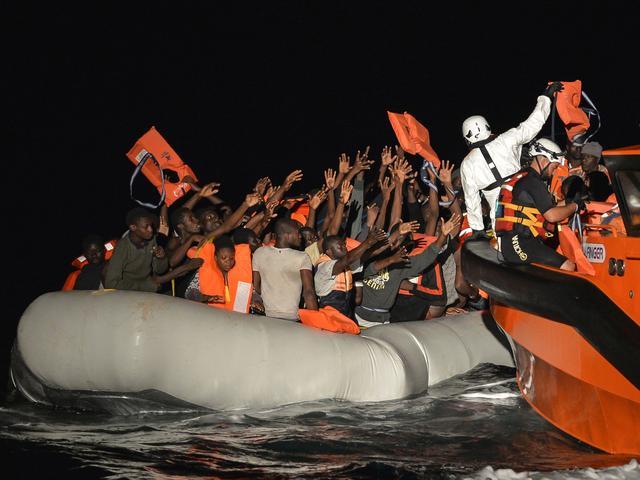 Europese Unie versterkt kustwacht Libië voor beperken migratie