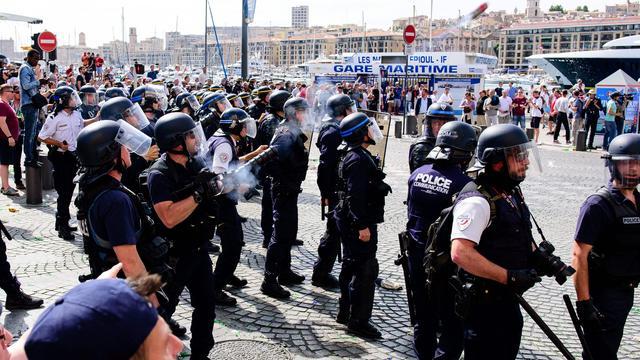 Voorwaardelijke diskwalificatie en boete Rusland op EK na rellen