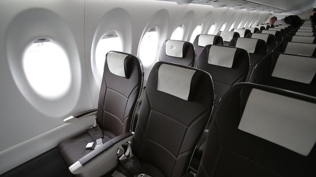 'Regelgeving aantal vliegtuigstoelen is hard nodig'
