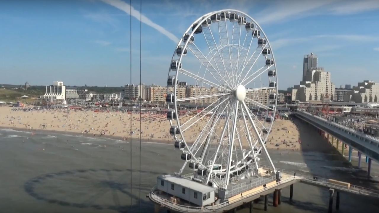 De laatste werkzaamheden aan het reuzenrad Scheveningse pier