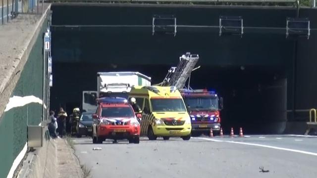 A58 uren deels afgesloten na ongeval in Vlaketunnel
