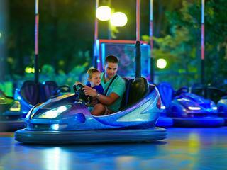 Sinds de uitvinding van de auto zélf is rijden steeds plezieriger en comfortabeler. Zou jij nog zonder deze tien innovaties kunnen?