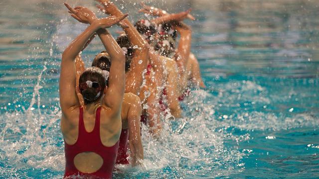 Oud-leden kunstzwemvereniging Synchro gezocht voor reünie