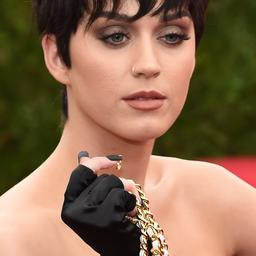 Onbekende neemt kort Twitter-account Katy Perry over