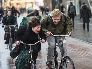150 miljoen euro wil D66 investeren in de aanleg van fietssnelwegen in Nederland.