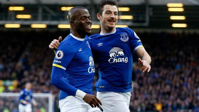 Everton en koploper Chelsea winnen, Arsenal verliest opnieuw