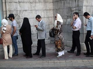 Hoogste leider ayatollah Khamenei bracht even na 8.00 uur zijn stem uit