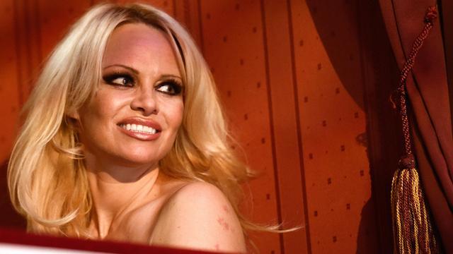 Porno is volgens Pamela Anderson 'voor losers'