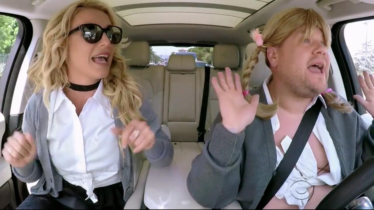 Britney Spears zingt eigen hits tijdens Carpool Karaoke