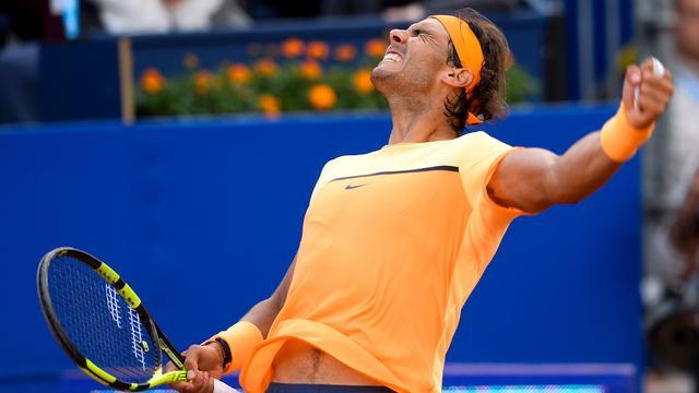 Nadal en Nishikori bereiken eindstrijd in Barcelona