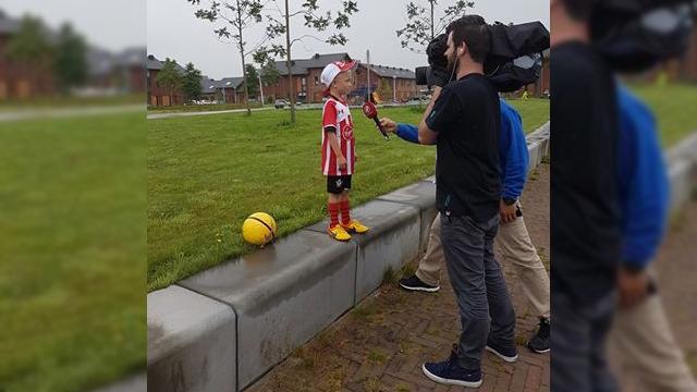 Jonge voetbalfan Stijn te zien bij Hart van Nederland