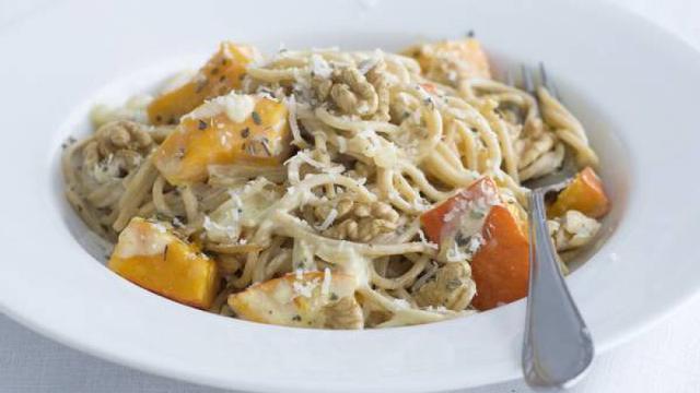 Recept van de dag: Spaghetti met pompoen en walnoten