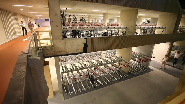 Grootste fietsenstalling van Nederland geopend in Utrecht