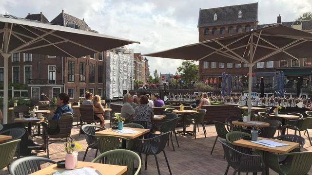 Nu ook terras op Waaghoofd bij Aalmarkt