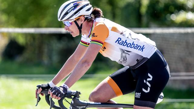 Vos leidt klassement in Aviva Women's Tour, dagwinst Pieters